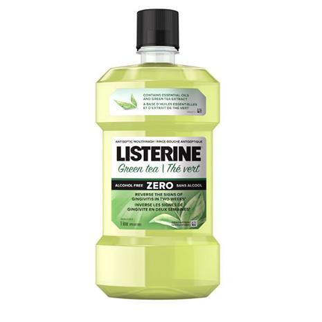 Flacon du rince-bouche antiseptique Listerine au thé vert Zero